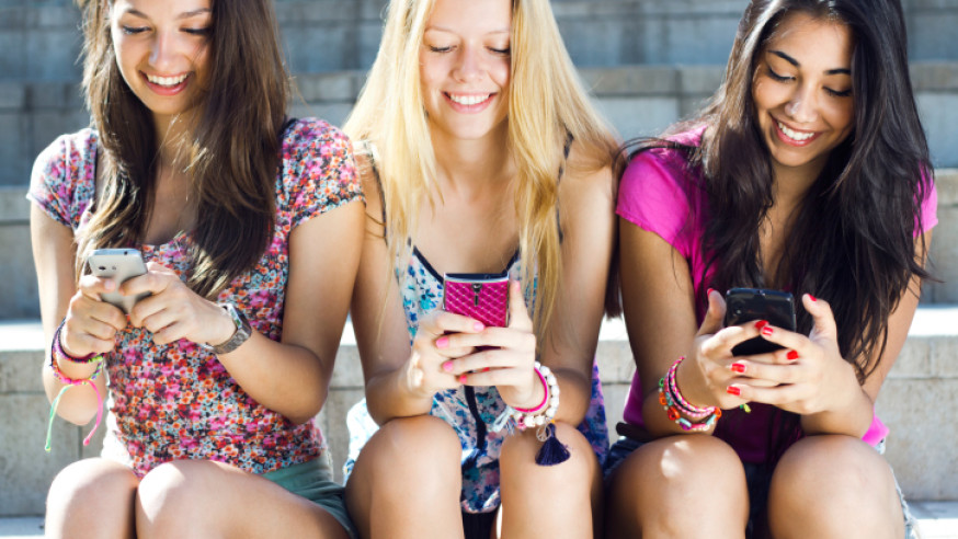 Les SMS et les jeunes : Une vraie addiction