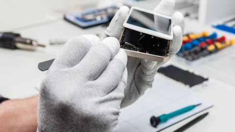 Racheter ou réparer son Smartphone cassé : quelle différence de prix ?